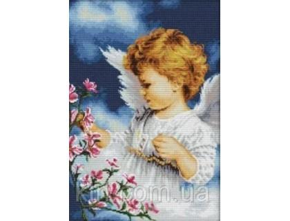 Купить Вышивка крестиком Ангелок маленький 36х50 см (арт. MK062) канва белая 14
